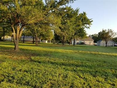36 LUBEC LN, Checotah, OK 74426 - Photo 2