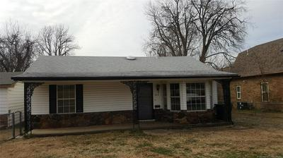 813 N SIOUX AVE, CLAREMORE, OK 74017 - Photo 1