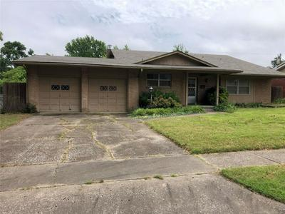 2235 S ERIE PL, Tulsa, OK 74114 - Photo 1