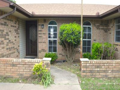 1026 KIMBERLY CT, Seminole, OK 74868 - Photo 2