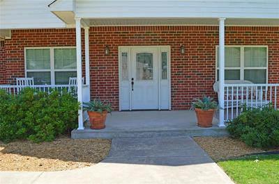 2406 QUAIL RUN CT, Ardmore, OK 73401 - Photo 2