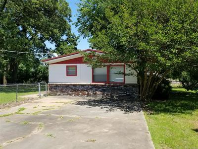 318 W GRAND AVE, Eufaula, OK 74432 - Photo 2