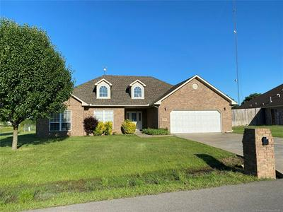 1052 W MCINTOSH AVE, Checotah, OK 74426 - Photo 2