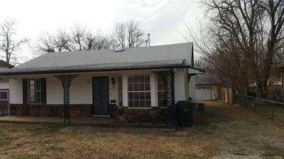 813 N SIOUX AVE, CLAREMORE, OK 74017 - Photo 2