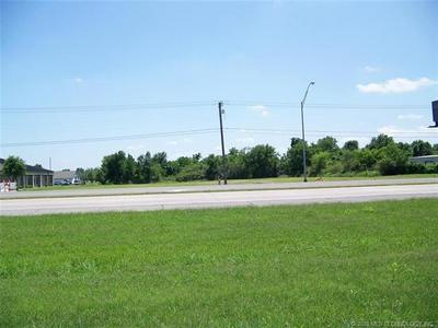2500 W SHAWNEE ST, Muskogee, OK 74401 - Photo 1