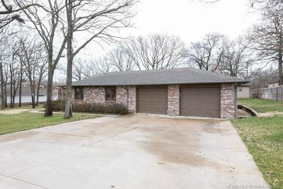 107 OAK RIDGE DR, CLEVELAND, OK 74020 - Photo 2