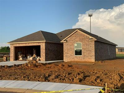 1194 GOLDEN OWL CIRCLE, Calera, OK 74730 - Photo 2