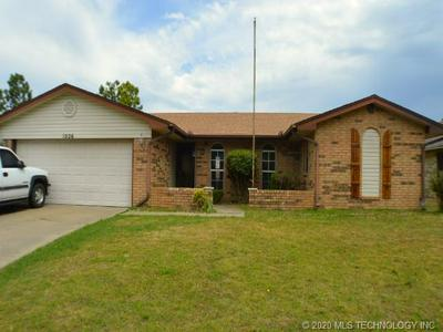 1026 KIMBERLY CT, Seminole, OK 74868 - Photo 1