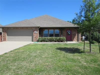 1005 STONE CREEK DR, Ardmore, OK 73401 - Photo 2