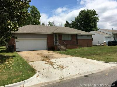 711 S APPLE ST, Sapulpa, OK 74066 - Photo 1