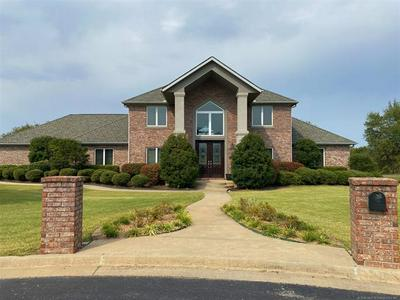 800 STONECREEK CT, Muskogee, OK 74403 - Photo 1