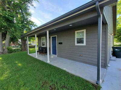 1228 E JACKSON AVE N, Sapulpa, OK 74066 - Photo 2