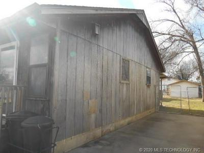217 S SHAWNEE AVE, Dewey, OK 74029 - Photo 2