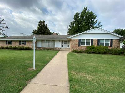 311 COUNTRY CLUB DR, Holdenville, OK 74848 - Photo 1