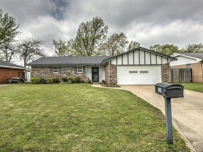 1120 COTTONWOOD CT, PRYOR, OK 74361 - Photo 2