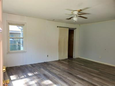 204 N ROWE ST, Pryor, OK 74361 - Photo 2