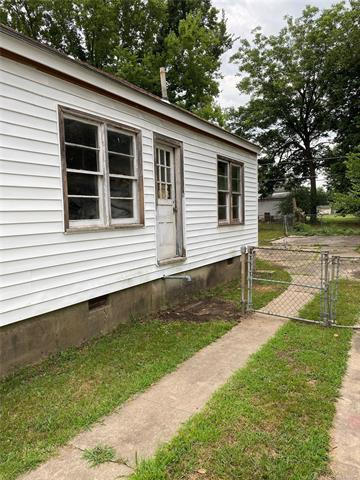 815 DENVER ST, Muskogee, OK 74401 - Photo 2