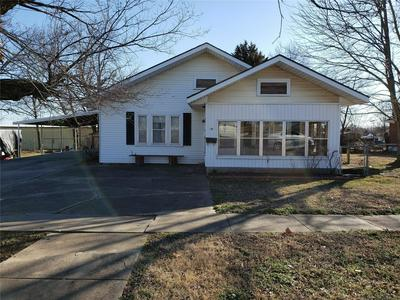 136 W 11TH AVE, BRISTOW, OK 74010 - Photo 1