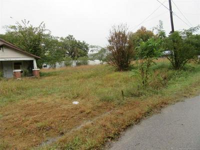 910 N 6TH ST, Quinton, OK 74561 - Photo 1
