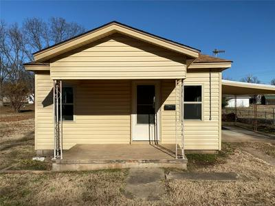 207 W CREEK AVE, CLEVELAND, OK 74020 - Photo 2