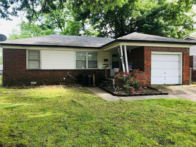 1308 NE 4TH ST, Pryor, OK 74361 - Photo 2