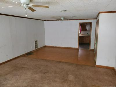 1004 BLUE HAWK ST, Pawnee, OK 74058 - Photo 2