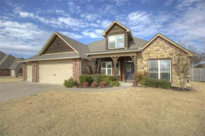 8553 E AMBER CT, Claremore, OK 74019 - Photo 2