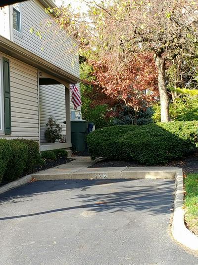 5522 VALENCIA PARK BLVD # 2D, Hilliard, OH 43026 - Photo 1