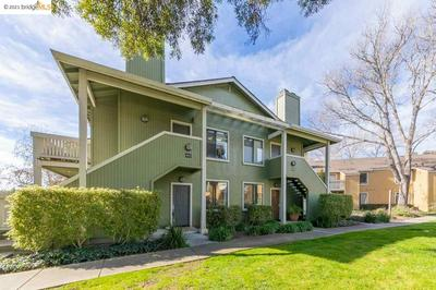 70 SCHOONER CT, RICHMOND, CA 94804 - Photo 1