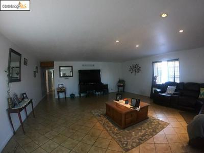 642 5TH ST, Richmond, CA 94801 - Photo 2