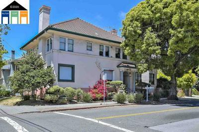 3050 COLLEGE AVE APT 1, Berkeley, CA 94705 - Photo 1