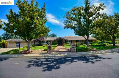 5965 WALLACE DR, CLAYTON, CA 94517 - Photo 2