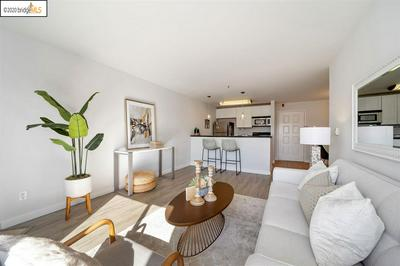 6400 CHRISTIE AVE APT 4409, EMERYVILLE, CA 94608 - Photo 2