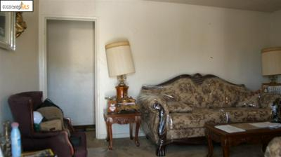9750 CORAL RD, Oakland, CA 94603 - Photo 2