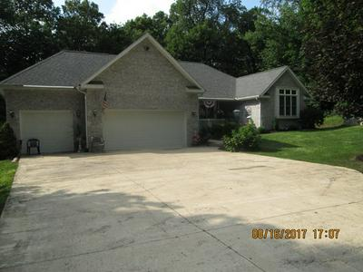 3381 APPLE VALLEY DR, HOWARD, OH 43028 - Photo 2
