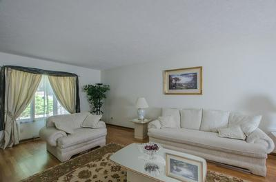 1518 ROYAL OAK DR, Mansfield, OH 44906 - Photo 2