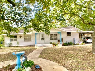 135 9TH ST, Blessing, TX 77419 - Photo 1