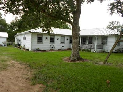 453 HAHN RD, Palacios, TX 77465 - Photo 1