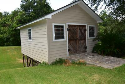 182 NUECES ST, Bay City, TX 77414 - Photo 2