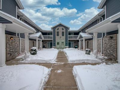410 W ASPEN DR UNIT 8, Oak Creek, WI 53154 - Photo 1