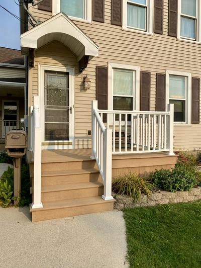 1035 S 23RD ST, Manitowoc, WI 54220 - Photo 2