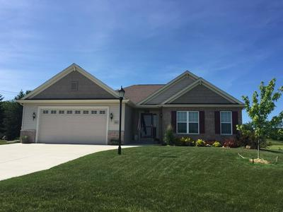 908 STONE CIRCLE CT, Waterford, WI 53185 - Photo 1