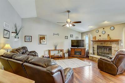 905 E RANDY RD, Oak Creek, WI 53154 - Photo 2