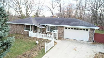 1101 VIENNA CT, Grafton, WI 53024 - Photo 1