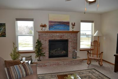 908 STONE CIRCLE CT, Waterford, WI 53185 - Photo 2