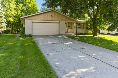 5207 ROBERTS DR, Greendale, WI 53129 - Photo 1