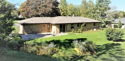 5770 S SAINT ANDREWS DR, New Berlin, WI 53146 - Photo 2
