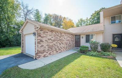 4654 S WOODLAND DR, Greenfield, WI 53220 - Photo 2