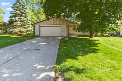 5207 ROBERTS DR, Greendale, WI 53129 - Photo 2