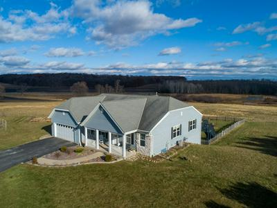 N8362 RIVER VALLEY RD, Ixonia, WI 53036 - Photo 2